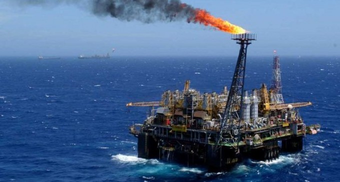 petroleo-petrobras-plataforma-2003-size-598-680x365